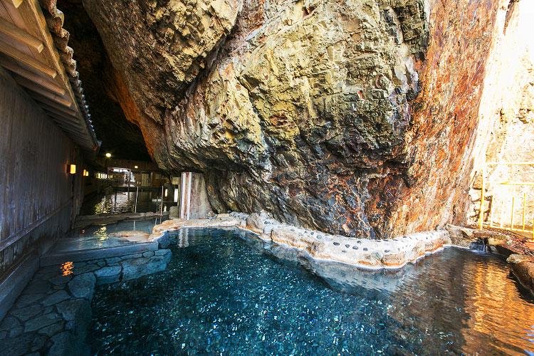 ホテル浦島洞窟温泉